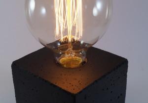 cubo/black Betonlampe Tischleuchte